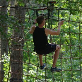 De Beleving, aankomst zipline in net